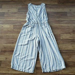 Gap XL Tall Capri Sleeveless V-Neck Romper